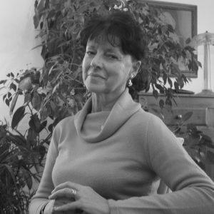 Lisa Albertini è autrice veronese di romanzi e racconti.