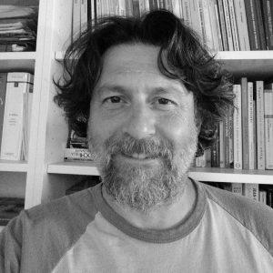 Luciano Faccioli si occupa di calcio e svolge libera professione di Psicoterapeuta (essenzialmente Disturbi di Apprendimento). Collabora con molte scuole in provincia di Verona e in Inghilterra.