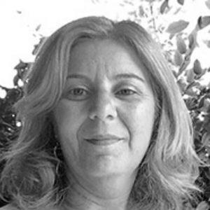 Stefania Lamberti è esperta dei processi formativi e didattici, coordina e promuove progetti di ricercaazione relativi all'educazione interculturale e alle buone pratiche educative.