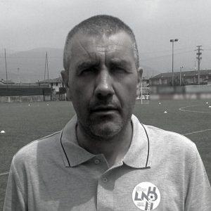 Daniele Tacchini (allenatore professionista UEFA A – da più di 30 anni sui campi come tecnico di settori giovanili e prime squadre dilettanti e professioniste.
