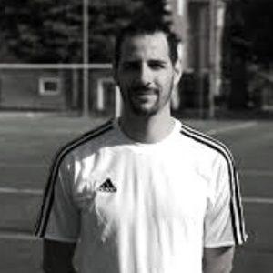 Roberto Pirovano è formatore calcistico abilitato Uefa E. Attualmente Responsabile Settore Giovanile dell'Airoldi Calcio.